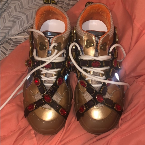 a66863bd10e Gucci Shoes - Gucci Flashtrek sneakers . Dust Bag included